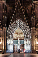 Europa, Deutschland, Koeln, das Hauptportal des Doms.<br />