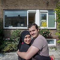 Nederland, Zwanenburg, 8 juni 2017.<br />Umit Celik en zijn vrouw Cigdem. Zij zochten in Amsterdam maar hebben inmiddels een huis gevonden in Zwanenburg: Friedalaan 89 in Zwanenburg<br /><br /><br />Foto: Jean-Pierre Jans