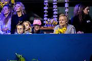 Koning Willem-Alexander en prinses Amalia zijn aanwezig in de RAI tijdens de wereldbeker springen bij Jumping Amsterdam.<br /> <br /> King Willem-Alexander and princess Amalia are present at the RAI during the World Cup jumping at Jumping Amsterdam.<br /> <br /> Op de foto:   Britt Dekker en Erland Galjaard