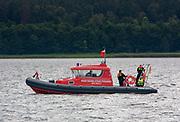 Patrol straży pożarnej na jeziorze NIegocin