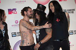 Simon Neil and Slash, backstage at the winners room MTV EMA, Glasgow.