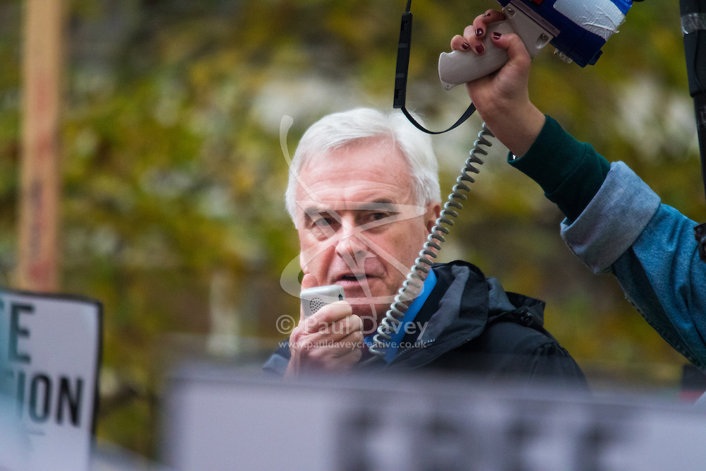 """London, November 4th 2015. Labour's Shadow Chancellor JOHN McDONNELL addresses thousands of students at their """"fight for free education,"""" protest against student debt, austerity and demand """"an end to the scapegoating and deportation of international students."""" // Licencing: Please contact: paul@pauldaveycreative.co.uk Mobile 07966 016 296 Home 020 8969 6875"""