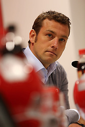 04.12.2013, SGL-Arena, Gundelfingen, GER, DFB Pokal, Achtelfinale, FC Augsburg vs FC Bayern, Pressekonferenz, im Bild Trainer Markus Weinzierl (FC Augsburg) bei der Pressekonferenz // during a press conference to the german DFP Pokal round of last sixteen match between FC Augsburg and FC Bayern at SGL-Arena in Gundelfingen, Germany on 2013/12/04. EXPA Pictures © 2013, PhotoCredit: EXPA/ Eibner-Pressefoto/ Fastl<br /> <br /> *****ATTENTION - OUT of GER*****