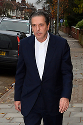Charles Saatchi arrives at Isleworth Court to give evidence during the fraud trial against Miss Lawson's two former assistants, Elisabetta Grillo and Francesca Grillo.<br />