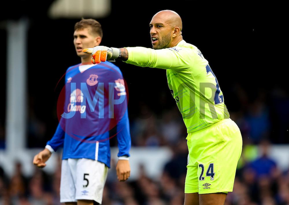 Everton's Tim Howard   - Mandatory byline: Matt McNulty/JMP - 07966386802 - 12/09/2015 - FOOTBALL - Goodison Park -Everton,England - Everton v Chelsea - Barclays Premier League
