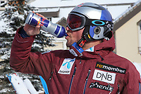 Alpint<br /> FIS World Cup<br /> Foto: Gepa/Digitalsport<br /> NORWAY ONLY<br /> <br /> VAIL,COLORADO,USA,01.DEC.15 - ALPINE SKIING - FIS World Cup, men, preview. Image shows Aksel Lund Svindal (NOR). Keywords: Red Bull bottle.