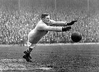 Fotball<br /> Foto: Colorsport/Digitalsport<br /> NORWAY ONLY<br /> <br /> Jerry Dawson - Burnley/England. 1920-22. England career 2 caps, Oct.1921-Apr.22. Veteran goalkeeper & International who is still one of the best.