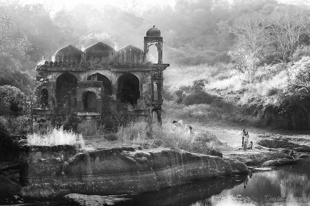 This temple is one of the numerous abandoned monuments located within the The fortress of Ranthambore that was founded in 944 by the Nagil Jats