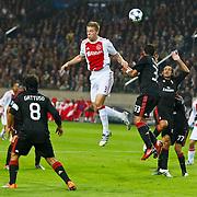 NLD/Amsterdam/20100928 - Champions Leaguewedstrijd Ajax - AC Milan, kopbal van Toby Alderweireld