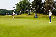 28-05-2016 Foto's van de kruisfinales in de hoofdklasse van de NGF Competitie 2016.<br /> Foto: Jerry Ji - Heren Noordwijkse 1 tegen Nick Nolte - Heren Koninklijke Haagsche 1. Genomen tijdens Finaleweekend NGF Hoofdklasse 2016 bij Goyer Golf & Country Club in Eemnes, Nederland.