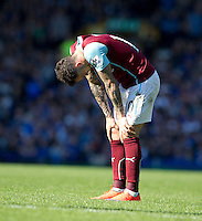 Burnley's Danny Ings shows his dejection after missing a chance elate in the second half<br /> <br /> Photographer Stephen White/CameraSport<br /> <br /> Football - Barclays Premiership - Everton v Burnley - Saturday 18th April 2015 - Goodison Park - Everton<br /> <br /> © CameraSport - 43 Linden Ave. Countesthorpe. Leicester. England. LE8 5PG - Tel: +44 (0) 116 277 4147 - admin@camerasport.com - www.camerasport.com