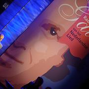 NLD/Utrecht/20060319 - Gala van het Nederlandse lied 2006, poster met portret van Marco Borsato en Pascal Jacobsen zingend