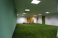 LISBOA-20 OUTUBRO:PRE MATCH ROOM, sala relvada do Est‡dio Alvalade XXI¼ casa da equipa da super liga do Sporting C.P. e que vai albergar o EURO 2004, 20-10-03 19:45 no est‡dio Alvalade XXI.<br />(PHOTO BY: AFCD/NUNO ALEGRIA)