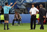 Schiedsrichter Manuel Mejuto Gonzalez Spanien schickt Bundestrainer Joachim Loew wird auf die Tribuene verbannt<br /> EURO 2008 Vorrunde Oesterreich - Deutschland<br /> Tyskland - Østerrike<br /> Norway only