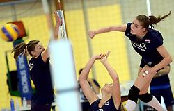 30-09-2014 ITA: World Championship Volleyball Training Nederland, Verona<br /> Anne Buijs, Yvon Beliën