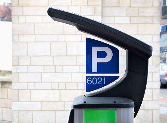 Nederland, Nijmegen, 8-2-2012Een van de nieuwe parkeermeters in het centrum van de stad. Zij zorgen voor veel ergernis en frustratie vanwege de ingewikkelde bediening met touch screen en kentekeninvoer.Betalen kan ook via de smartphone. Zij werken qua energie op zonnecellen in de top van de zuil.Foto: Flip Franssen/Hollandse Hoogte