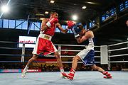 Boxen: Elite, Deutsche Meisterschaften, Finale, Lübeck, 09.12.2017<br /> FLiegengewicht, 52 KG: Hamza Touba (Nordrhein Westfalen, rot) - Mohammed O,ad Rahini (Hessen, blau)<br /> © Torsten Helmke