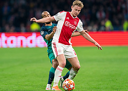 08-05-2019 NED: Semi Final Champions League AFC Ajax - Tottenham Hotspur, Amsterdam<br /> After a dramatic ending, Ajax has not been able to reach the final of the Champions League. In the final second Tottenham Hotspur scored 3-2 / Frenkie de Jong #21 of Ajax, Lucas #27 of Tottenham Hotspur