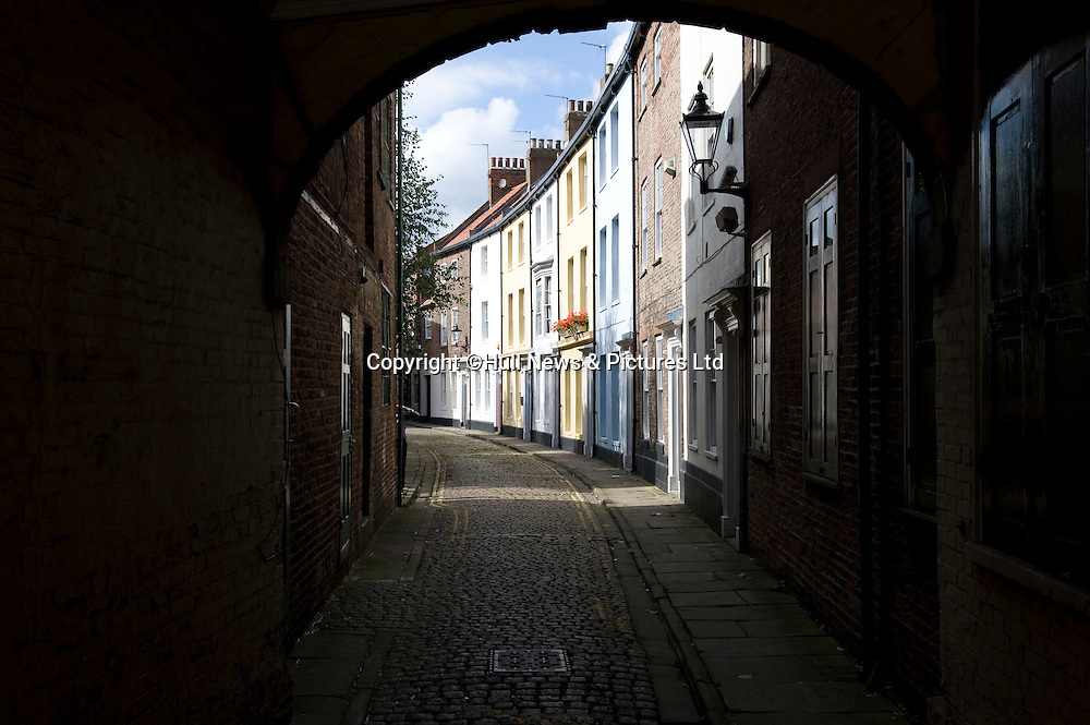 27 August 2014 Images of Kingston Upon Hull, East Yorkshire.<br /> Cobbled Prince Street in the Old Town and an exquisite curve of Georgian houses with pastel-coloured walls.<br /> Picture: Sean Spencer/Hull News & Pictures Ltd<br /> 01482 772651/07976 433960<br /> www.hullnews.co.uk   sean@hullnews.co.uk