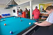Nederland, Nijmegen, 16-3-2016De chill out ruimte voor jongeren in het nieuwe wijkcentrum van de wijk Hatert.Foto: Flip Franssen