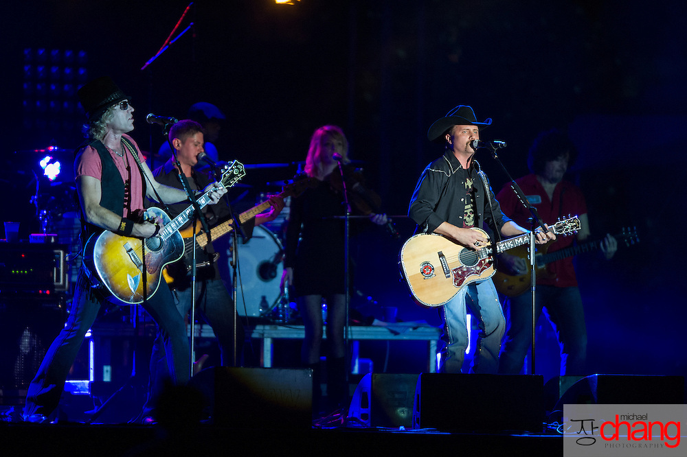 Big and Rich perform at Bay Fest on Saturday, Oct. 6, 2012, in Mobile, Ala. (Bay Fest/ Michael Chang)