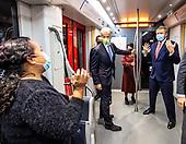 Werkbezoek Koning Willem Alexander aan de Noord/Zuidlijn