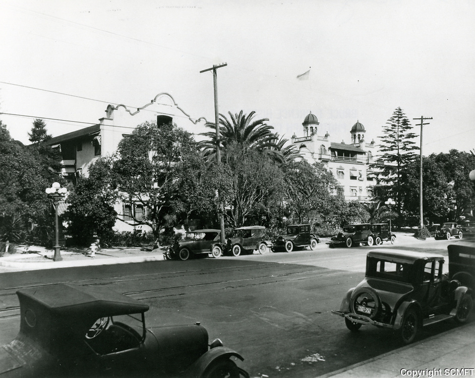 1924 The Hollywood Hotel