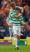 Fotball<br /> Skottland 2004/2005<br /> Foto: SBI/Digitalsport<br /> NORWAY ONLY<br /> <br /> Celtic v Dundee United, Scottish Cup Final, Hampden Park, Glasgow.    <br /> <br /> Saturday 28/05/2005<br /> <br /> Petrov celebrates with Thompson after goal