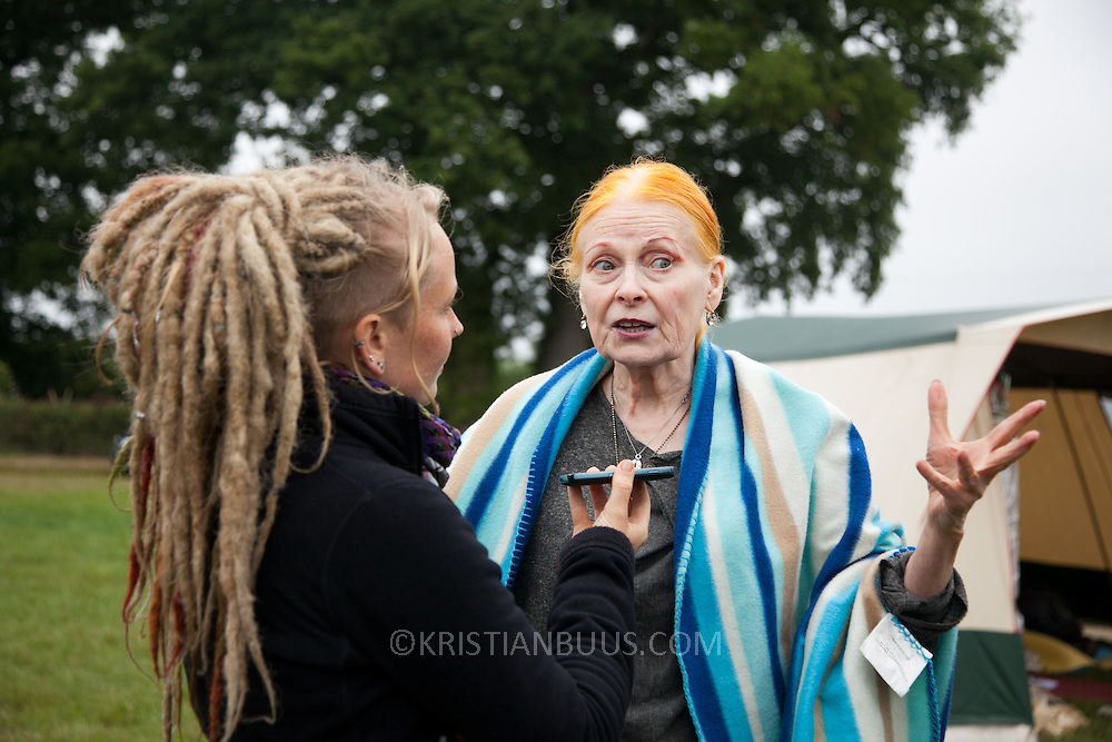 Dame Vivienne Westwood gives her oppinion on fracking and environmental issues. Reclaim the Power camp is set up in a field near Balcombe. The site is squatted but so far nor the owner nor police has made any moves to stop the camp from setting up. It is organised by the environmental group No Dash for Gas and the movement is protesting against the company Cuadrilla's fracking testing near Balcombe and have come to Balcombe to len its support to the local protests against the drilling for gas.