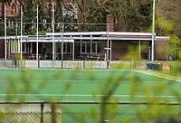 HATTEM  - Ook  de hockeyvelden van de Hattemse Mixed Hockey Club   zijn verboden terrein  ivm Coronavirus. COPYRIGHT KOEN SUYK