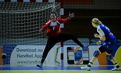 30-11-2012 HANDBAL: NEDERLAND - SLOVENIE: APELDOORN .WK Kwalificatie toernooi WK 2013 Omnisportcentrum Apeldoorn / Nederland wint met 24-23 - (L-R) Marieke van der Wal , Tamara Mavsar .©2012-FotoHoogendoorn.nl. (Foto by Ronald Hoogendoorn / Sportida)