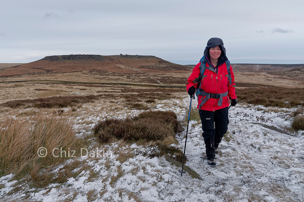 The easiest path off Higgar Tor to the sheepfold follows a fairly direct line to the SW from the centre of its S flank