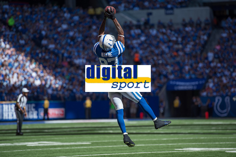 September 28, 2014: Indianapolis Colts wide receiver Reggie Wayne (87) catches a pass by the sidelines during a football game between the Indianapolis Colts and Tennessee Titans at Lucas Oil Stadium in Indianapolis, IN. NFL American Football Herren USA SEP 28 Titans at Colts PUBLICATIONxINxGERxSUIxAUTxHUNxRUSxSWExNORxONLY Icon1409280244<br /> <br /> September 28 2014 Indianapolis Colts Wide Receiver Reggie Wayne 87 catches A Passport by The Sideline during A Football Game between The Indianapolis Colts and Tennessee Titans AT Lucas Oil Stage in Indianapolis in NFL American Football men USA Sep 28 Titans AT Colts PUBLICATIONxINxGERxSUIxAUTxHUNxRUSxSWExNORxONLY Icon1409280244