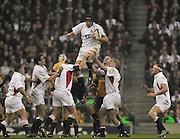 Twickenham, England, Autumn International. RFU Twickenham Stadium<br /> 16/11/2002<br /> International Rugby - England vs Australia.<br /> Ben kay collect the line out ball         [Mandatory Credit:Peter SPURRIER/Intersport Images]