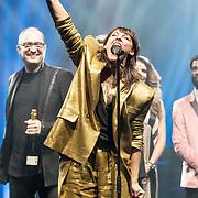 NLD/Amsterdam/20190212- Uitreiking Edison Pop 2019, Wende Snijders ontvangt een award