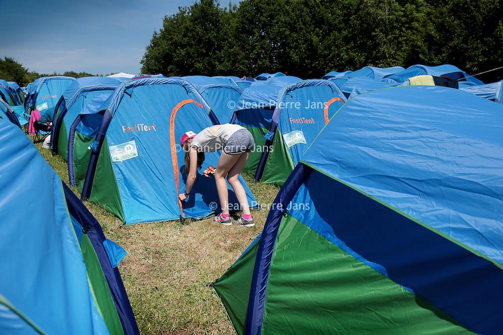 """Nederland, Landgraaf, 14 juni 2015<br /> Pinkpop 2015.<br /> Op camping B in de buurt van het Pinkpop festival terrein kunnen gasten een kant en klaar tent huur het z.g. """"Glamping"""".<br /> <br /> <br /> Foto: Jean-Pierre Jans"""