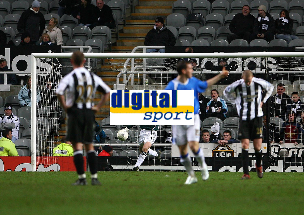 Photo: Andrew Unwin.<br /> Newcastle United v Birmingham City. The FA Cup. 17/01/2007.<br /> Newcastle's Shay Given (C) kicks the ball away after his team concedes a fifth goal.