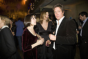 SHARON STIRLING, ROSE HEYMAN AND HUGH GRANT, Discover Wilton's Music Hall, Fundraising event. Graces alley, Ensign St. London. 5 December 2007. -DO NOT ARCHIVE-© Copyright Photograph by Dafydd Jones. 248 Clapham Rd. London SW9 0PZ. Tel 0207 820 0771. www.dafjones.com.