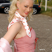 NLD/Bloemenaal/20050601 - Haringparty Showtime Noordzee FM, Monique Sluyter