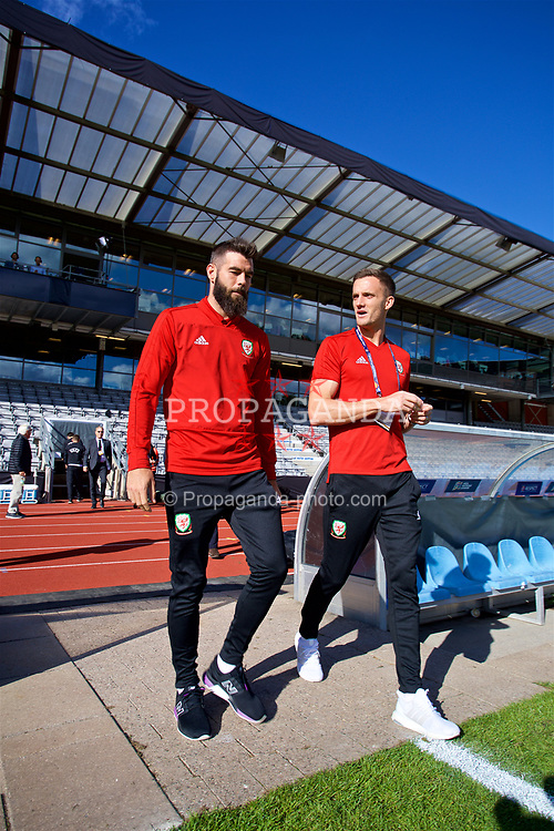 AARHUS, DENMARK - Sunday, September 9, 2018: Wales' Joe Ledley and Andy King before the UEFA Nations League Group Stage League B Group 4 match between Denmark and Wales at the Aarhus Stadion. (Pic by David Rawcliffe/Propaganda)