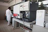 Depuratore San Rocco, il laboratorio di analisi interno all'impianto.