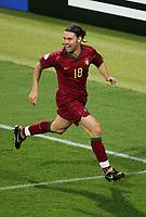 1:0 Jubel Maniche Portugal<br /> Fussball WM 2006 Achtelfinale Portugal - Niederlande<br />  Portugal - Nederland<br /> Norway only