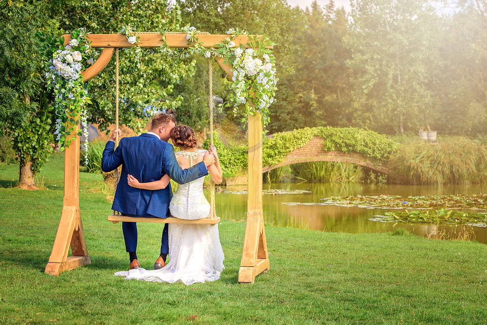 A glorious summer wedding in Bedfordshire