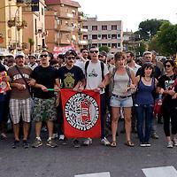 Momenti di tensione al presidio anti-rom a Boccea