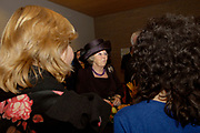 Presentatie DVD Europe is Us aan de Koningin op het Marnix College in Ede. De DVD gaat over Europa en is gemaakt door leerlingen van het Marnix College.<br /> <br /> <br /> <br /> Presentation Europe is Us DVD to Queen Beatrix on the Marnix College School in Ede. THe DVD is made by students of the Marnix College and has as subject Europe.<br /> <br /> <br /> <br /> Op de foto/ On the photo:<br /> <br /> <br /> <br />  Beatrix in gesprek met studenten / The Queen in conversation with the students