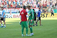 ALL BRUK AV BILDET BLIR FAKTURERT. INNGÅR IKKE I AVTALER.<br /> <br /> Fotball<br /> Tyskland<br /> Foto: imago/Digitalsport<br /> NORWAY ONLY<br /> <br /> DFB-Pokal - 1. Runde - Fußball - FC Ingolstadt 04 - SpVgg Unterhaching - Spiel ist aus, Unterhaching siegt mit 2:1, Ingolstadt scheidet aus, Torwart Ramazan Özcan (1, FCI) und Torwart Örjan Haskjard Nyland (26, FCI) 1. BL - FC Ingolstadt 04 Saison 2015/2016<br /> <br /> Ørjan Håskjold Nyland