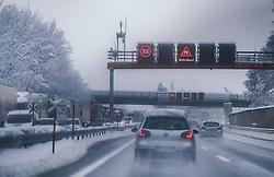 THEMENBILD - Stau auf der A12 Inntalautobahn, aufgenommen am 10. Jaenner 2019 in Woergl, Oesterreich // Traffic jam on the A12 Inntalautobahn, Woergl, Austria on 2019/01/10. EXPA Pictures © 2019, PhotoCredit: EXPA/ JFK