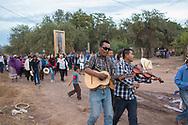 Processione per la vergine di Guadalupe a Vicam.