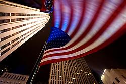 Bandeira americana e prédios. FOTO: Jefferson Bernardes / Preview.com