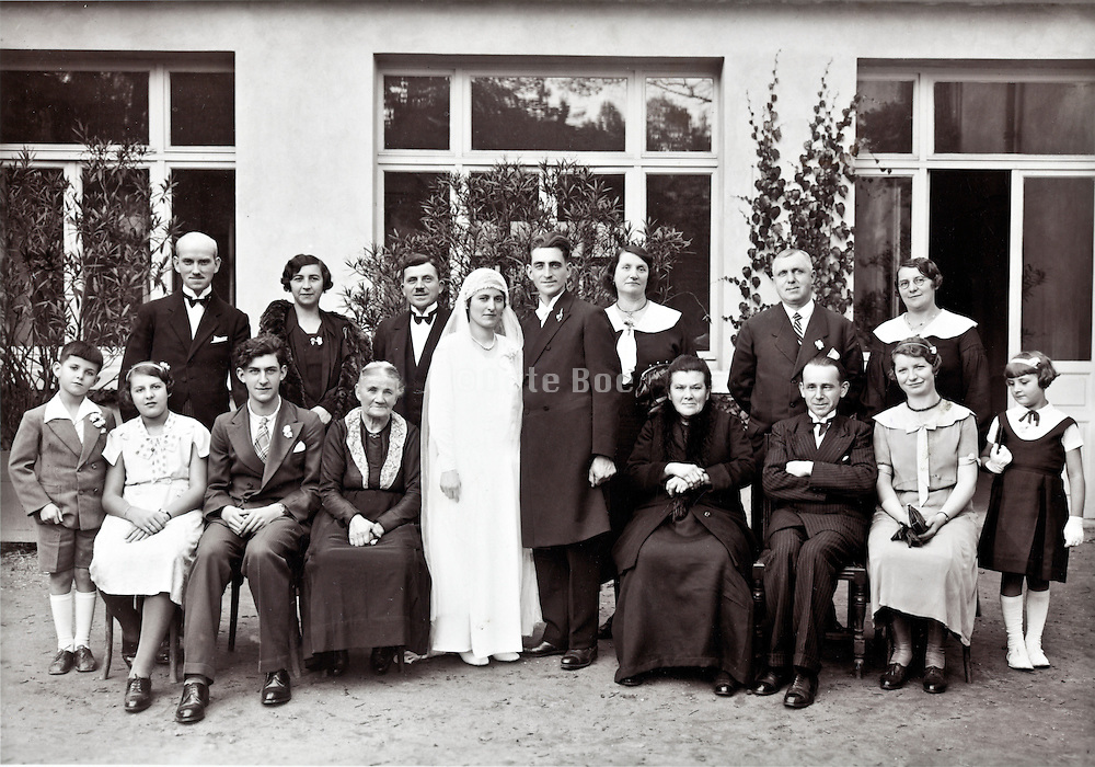 group family portrait late 1930s France